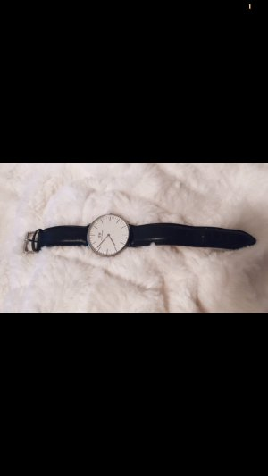 Daniel Wellington Watch With Leather Strap black-silver-colored
