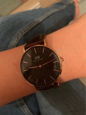 Daniel Wellington Watch With Leather Strap dark brown
