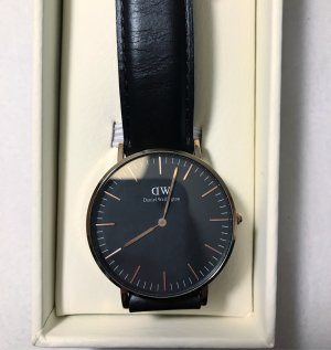 Daniel Wellington Reloj negro-color oro