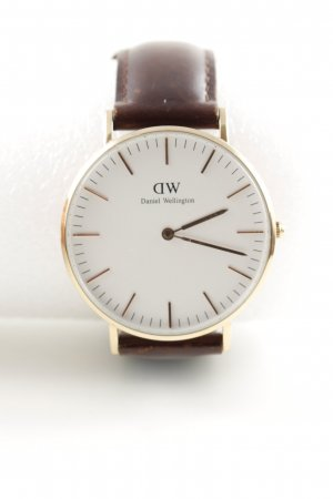 Daniel Wellington Watch With Leather Strap brown business style