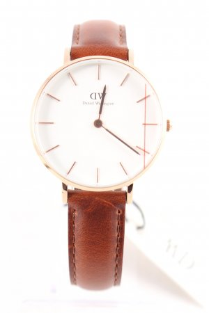 Daniel Wellington Watch With Leather Strap multicolored classic style