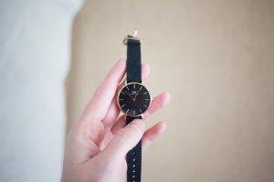 Daniel Wellington Uhr schwarz gold mit schwarzem Armband