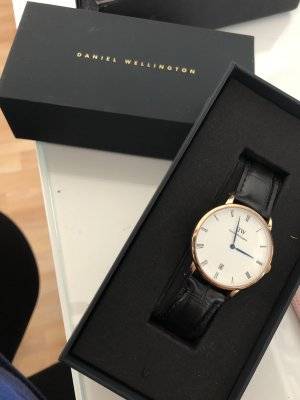 Daniel Wellington Uhr + Wechselarmband (Dapper Reading)