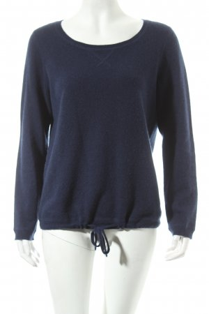 Darling Cashmerepullover dunkelblau Street-Fashion-Look