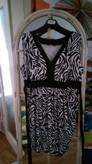 Das ist mal ein Kleid. Ballonartiges Kleid im Zebralook, passend für Gr.48/50.Ein absoluter Hingucker!