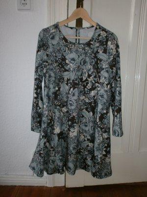 Das Kleid von Celop, S