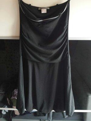 das kleine schwarze Kleid