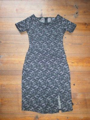 Das schöne Kleid von adl (codentry)