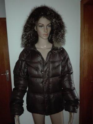 Daunen- Winter Jacke,in braune Farbe,gefüttert.