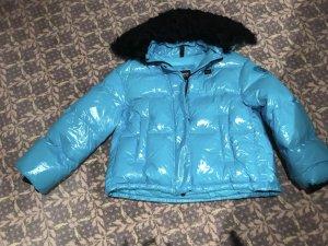 Blauer Donsjack lichtblauw