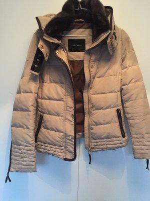 Daunenjacke Zara 34 / getragen