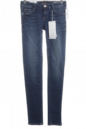Dawn Skinny Jeans dunkelblau Street-Fashion-Look