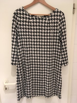 Day-Kleid in schwarz/weiß von H&M in Größe 40 (M)