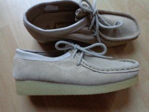 100 Chaussures à lacets beige daim