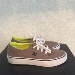 DC Sneaker Gr. 38 / US 6.5 wie NEU