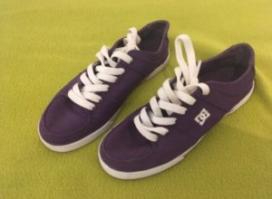 DC Shoes Lace-Up Sneaker white-dark violet