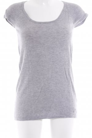 Dear Cashmere Camisa tejida gris claro look casual