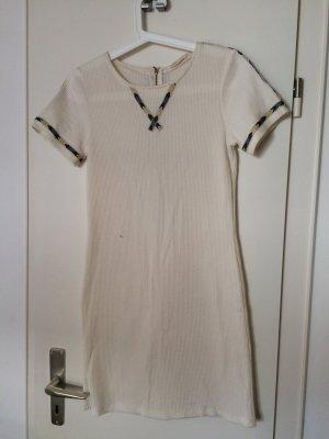 Deby Debo Kleid raffiniert gestaltet