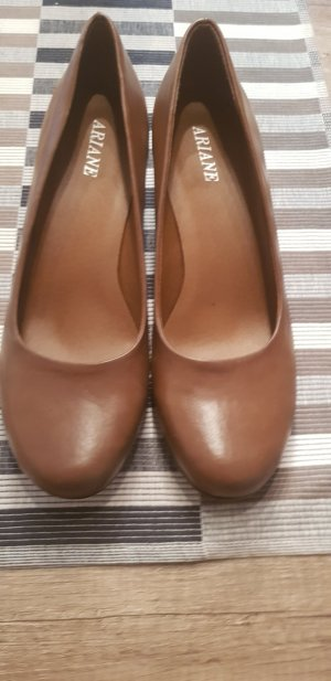 Ariane Pumps brown