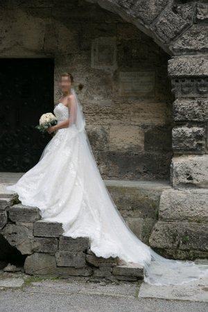 Dein Traumkleid mit Spitzendetails / Hochzeitskleid / Brautkleid