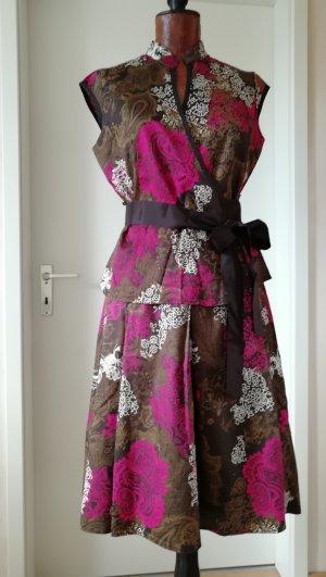 Dekoratives zweiteiliges Sommerkleid im Chinastil
