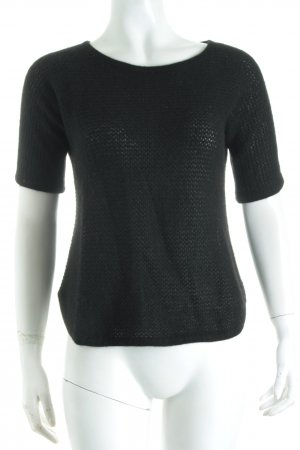 Delicate Love Strickshirt schwarz Street-Fashion-Look