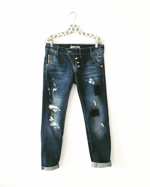 denim • blue jeans • ripped • bohostyle • hippielook • casual