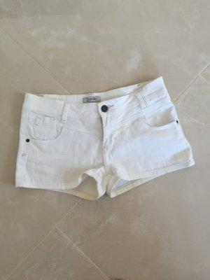 Denim Hot Pants in weiß