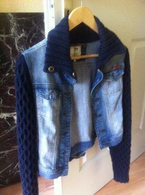 Dept Jeansjacke wie neu in S mit Strick und schönen Knöpfen