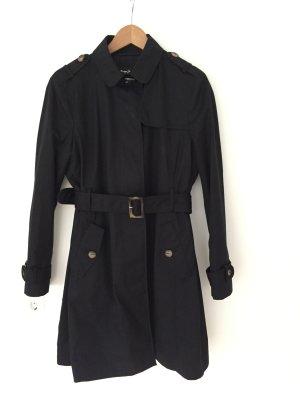 Der Klassiker für den Herbst:  Neuer Trenchcoat von Massimo Dutti in schwarz