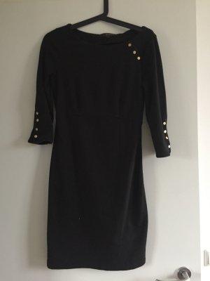 Der Klassiker - schwarzes mini Kleid von Reserved in Größe 36 für 10€