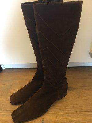 Der Traum von Escada - Brauner Stiefel mit Stick