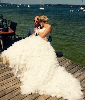 Abito da sposa crema-bianco sporco