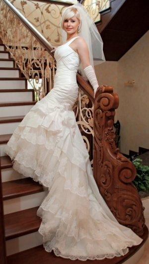 Designer Brautkleid von Alma Novia (Spanien)