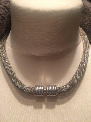 Collar estilo collier color plata acero inoxidable