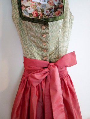 Dirndl sage green-brick red