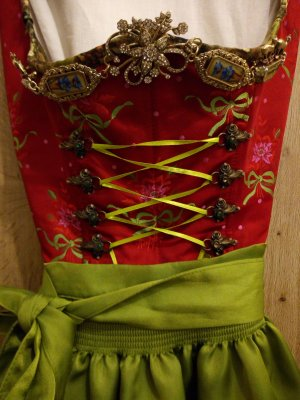 Lola Paltinger Dirndl red-green silk