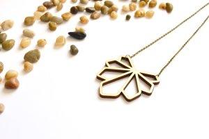 Designer Halskette aus Holz