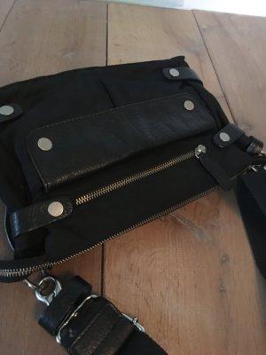 Designer Handtasche - auch als cluch tragbar