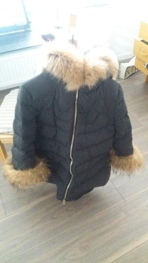 Designer-Jacke mit Pelzbesatz in Schwarz