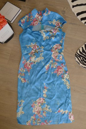 Designer Kleid im China Look blau