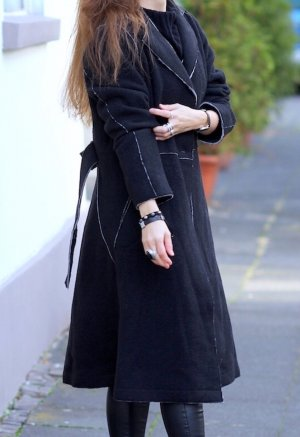 Eve in Paradise Wool Coat black