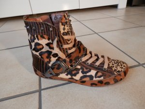 Designer Punk Rock Leo Nieten HIGH TOP Sneakers Stiefeletten SAM EDELMANN Blogge