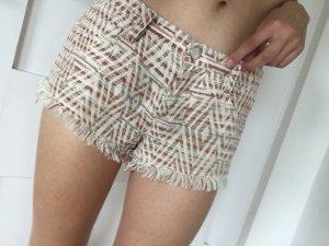 Designer Shorts im rot und weiß und Gold