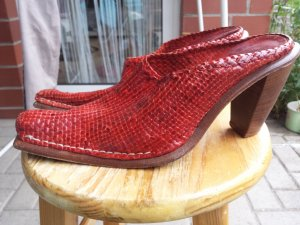 Sandalias con tacón rojo Cuero