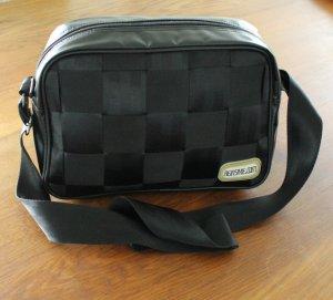 Designertasche aus Auto Sicherheitsgurten von Taschenkultlabel ReinStyle.com