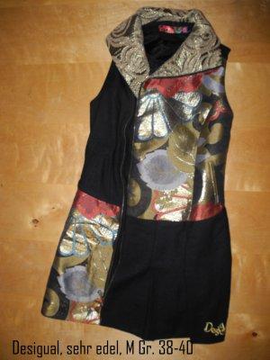 Desigual, cooles Kleid, kräftiges Material, sehr edel