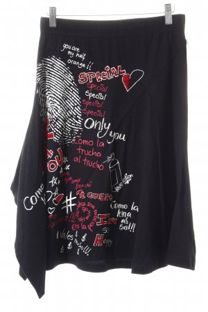 Desigual Faltenrock Motivdruck Street-Fashion-Look