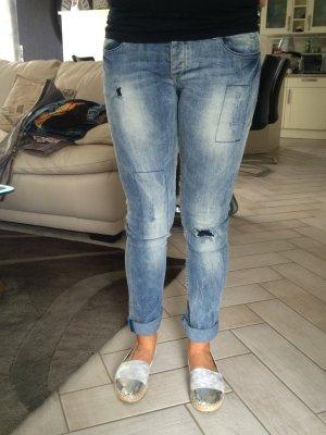Desigual Jeans mit Blume 29/32