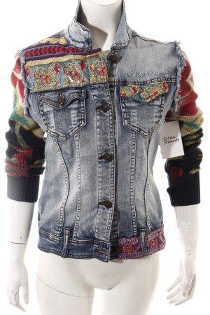 Desigual Jeansjacke florales Muster Street-Fashion-Look